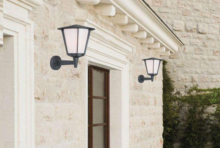 E 106 - Outdoor Lantern Wall Lamp