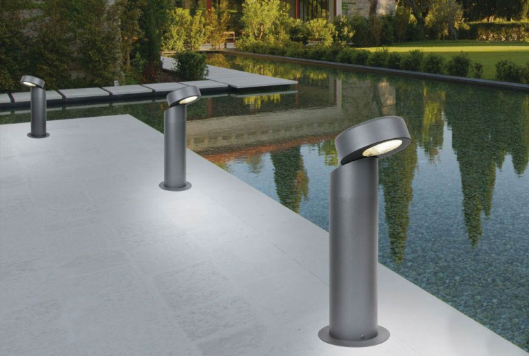 E 103 - Outdoor Bollard light