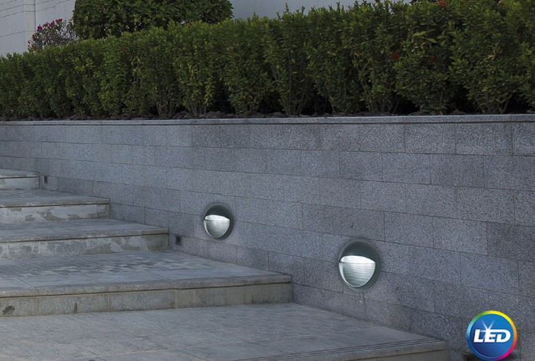 335 - 710446 - LED Outdoor Wall Lamp
