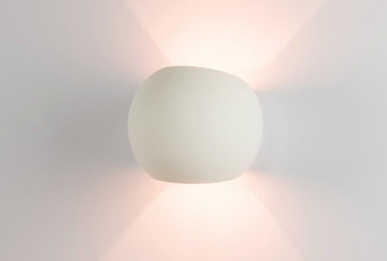 107 - 180028 / Wall lamp